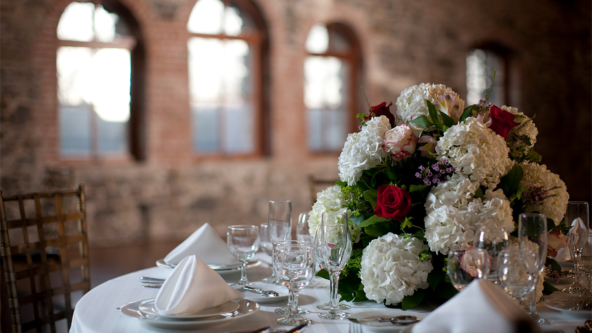 Grand Salon Wedding Table Setting